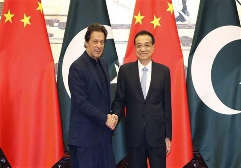 دیدار عمران خان با نخست وزیر چین و امضا تفاهم نامههای جدید