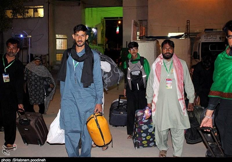 اخبار اربعین 98| روند صعودی ورود زائران پاکستانی به کشور؛ 8000 زائر در یک روز وارد ایران شد