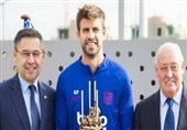 پیکه جایزه بهترین بازیکن فصل گذشته بارسلونا و کاتالونیا را کسب کرد