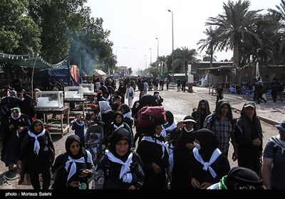 Shiites Making Way to Karbala to Mark Arbaeen