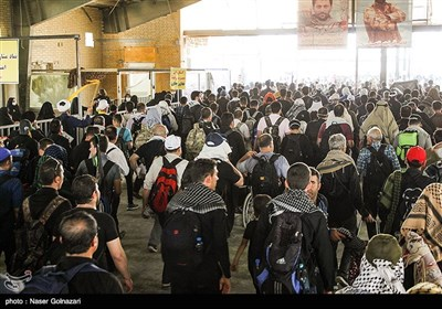 Iranian Pilgrims Crossing Mehran Border for Attending Arbaeen