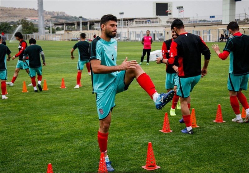 سلیمی: از چند تیم ایرانی و خارجی پیشنهاد دارم/ شانس رفتن به پلیآف لیگ اروپا را داریم