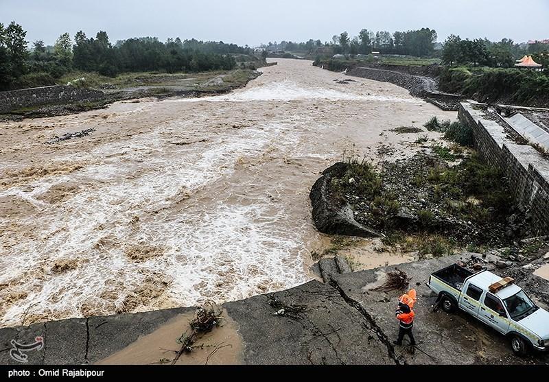 سیلاب به 2200 کیلومتر از جادههای اصلی جنوب کرمان خسارت زد