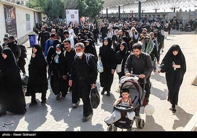 تازهترین اخبار اربعین 98| آمادگی کامل ستاد اربعین برای ورود زائران به ایران / سرویسدهی به کربلاییها آغاز شد/مرز خسروی 24 ساعته شد + تصاویر