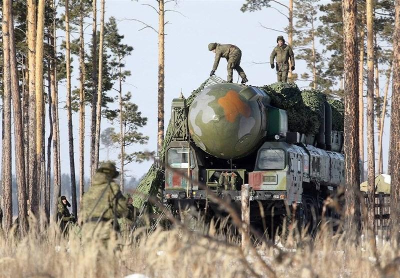 پرتاب موشکهای کروز و بالستیک در مانور نیروهای راهبردی روسیه