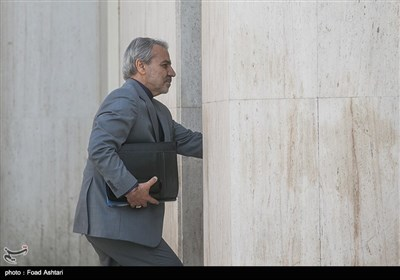 محمد باقر نوبخت رئیس سازمان برنامه و بودجه در حاشیه جلسه هیئت دولت