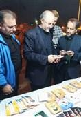 اخبار اربعین 98| تاکنون 20 هزار کارت نائب الشهید بین زائران اربعین توزیع شده است