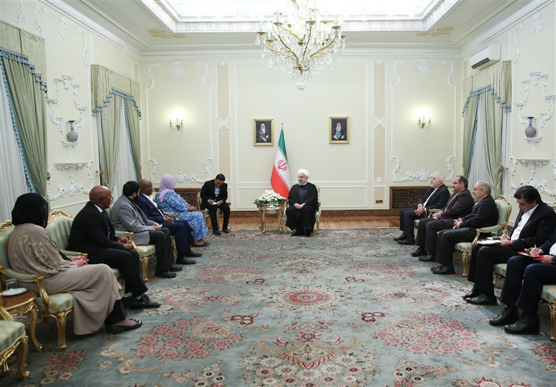 Rouhani Calls on Int'l Community to Stand Up to US Actions