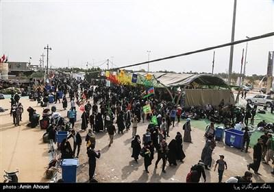 تازهترین اخبار اربعین 98| محورهای منتهی به مرز مهران عصر امروز یک طرفه میشود/ خروج بیش از یک میلیون نفر با کمترین مشکل از مرزهای خوزستان + فیلم