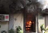 کراچی: عمارت میں آگ بھڑک اٹھی، فائر بریگیڈ کا بجھانے سے انکار