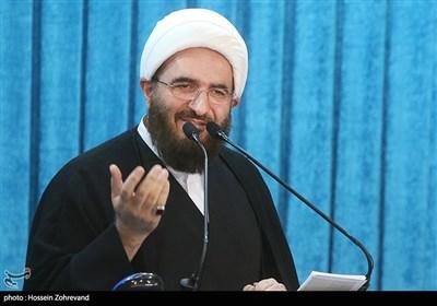 خطیب طهران: مسیرة الأربعین تمهد الطریق أمام بناء حضارة اسلامیة