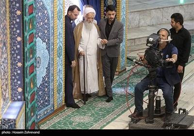 حضور آیت الله موحدی کرمانی در نماز جمعه تهران
