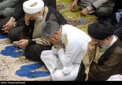حضور امیر دریادار حبیبالله سیاری معاون هماهنگ کننده ارتش در نماز جمعه تهران