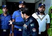 وردی نہیں رویہ بدلو / سندھ پولیس کی وردیاں تبدیل کرنے پر عوام کا ردعمل