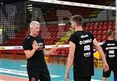 هینن: مربیگری در والیبال ایتالیا، هیجان زیادی دارد/ پیر شدهام!