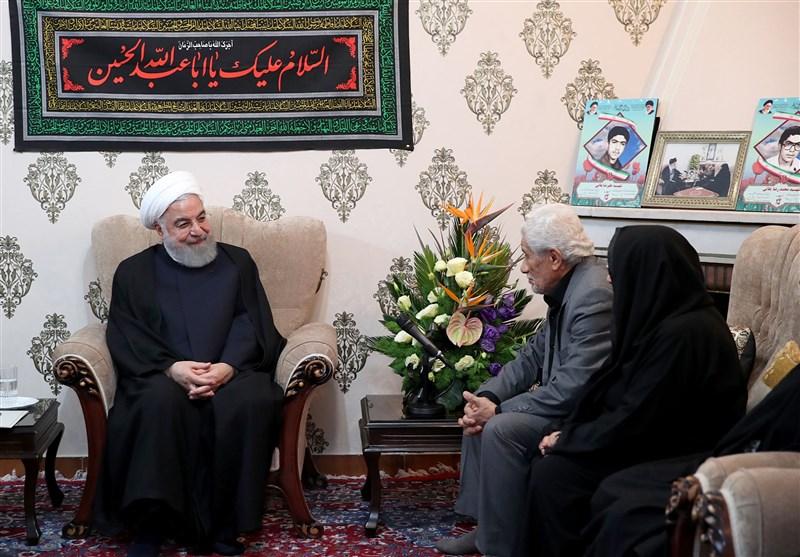 روحانی: وظیفه و رسالت همه ما تداوم راه شهدا در حفاظت از کشور و نظام است