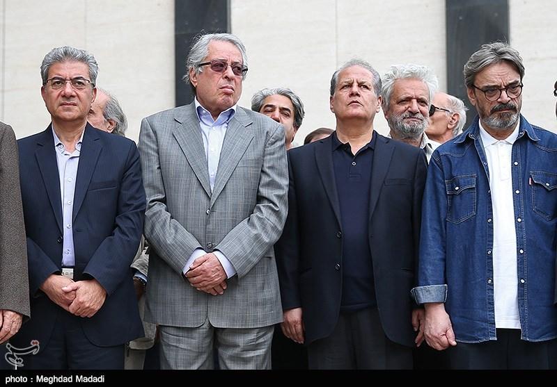 """مراسم تشییع """"حسین دهلوی"""" موسیقیدان ایرانی به روایت عکس"""