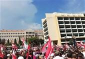 لبنان|درخواست معترضان برای کنارهگیری «حریری» / درخواست اسقف اعظم مسیحیان لبنان