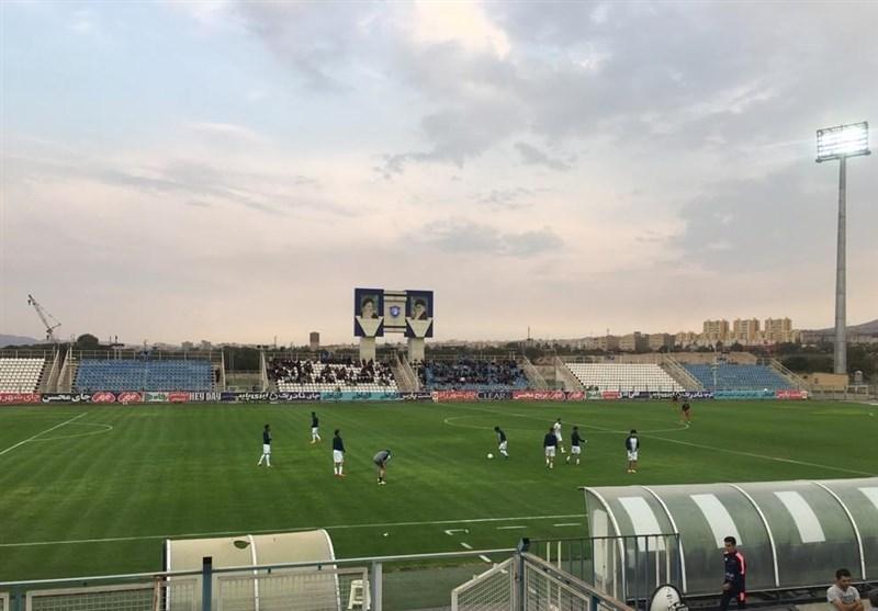 استقبال کمرنگ تماشاگران از بازی ماشینسازی و فولاد/ حضور 4 هوادار خوزستانی و استیلی در تبریز
