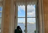 نمایی از داخل موزه آرمیتاژ مشرف به رودخانه نووا