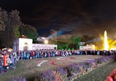 بستن فوارهها مقابل کاخ تابستانه کاترین کبیر یکی از مراسم پرطرفدار سن پترزبورگ است