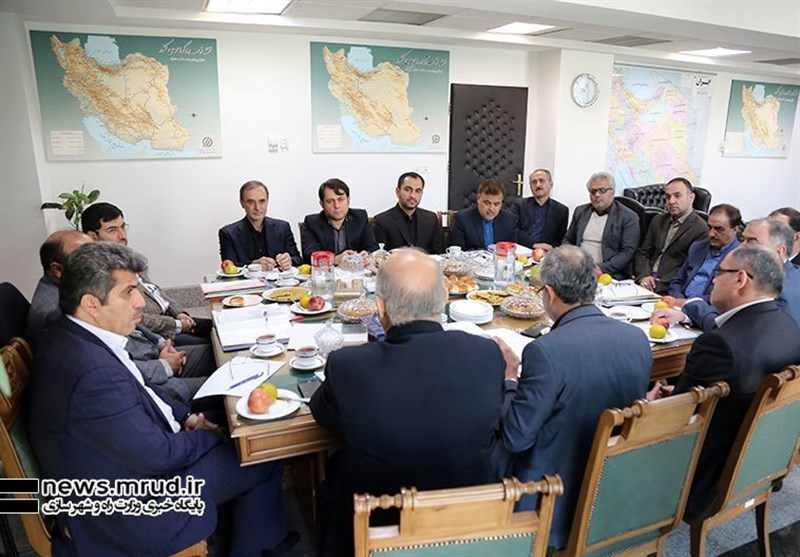 برگزاری نشست معاون وزیر راه با حضور عابدزاده