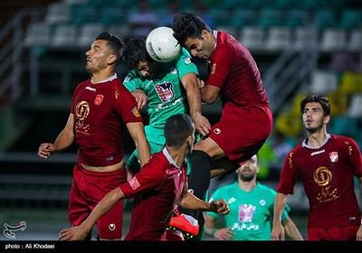 دیدار تیمهای فوتبال ذوب آهن و شهرخودرو