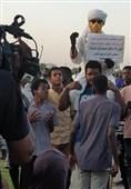 تظاهرات سودانیها در سالروز انقلاب؛ موانع فراوان پیش روی دولت انتقالی