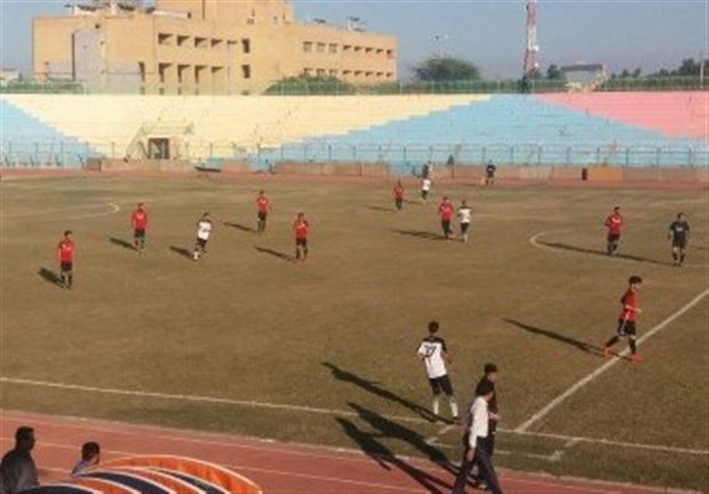 مصاف قهرمان سه دوره اخیر لیگ برتر برابر قعرنشین لیگ در بوشهر