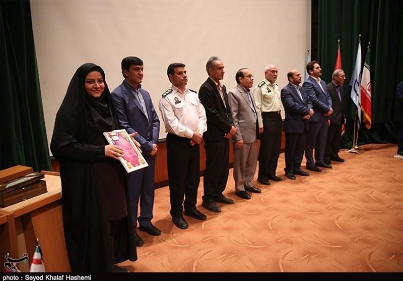 تجلیل از واحدهای نمونه تولیدی استان بوشهر در همایش استاندارد+ تصاویر