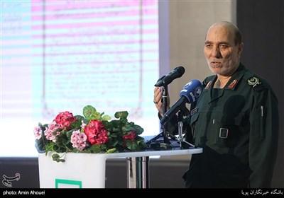 سخنرانی سردار غلامرضا علاماتی رئیس سازمان اسناد و مدارک دفاع مقدس در افتتاحیه نمایشگاه عکس ۷۰ سالگی تصویب کنوانسیون های ژنو