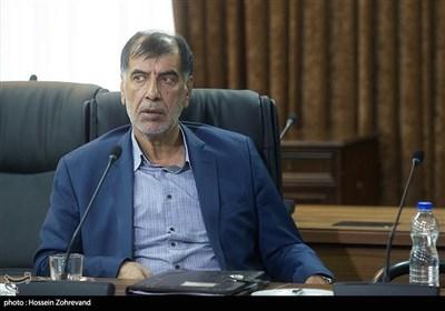 محمد رضا باهنر در جلسه مجمع تشخیص مصلحت نظام