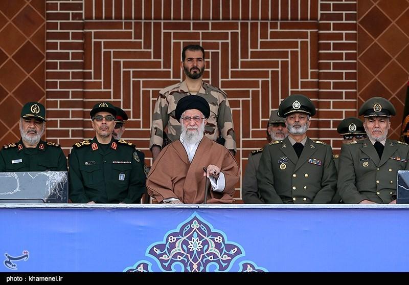 توصیه امام خامنهای به مردم لبنان و عراق: اولویتتان را در علاج ناامنی قرار دهید