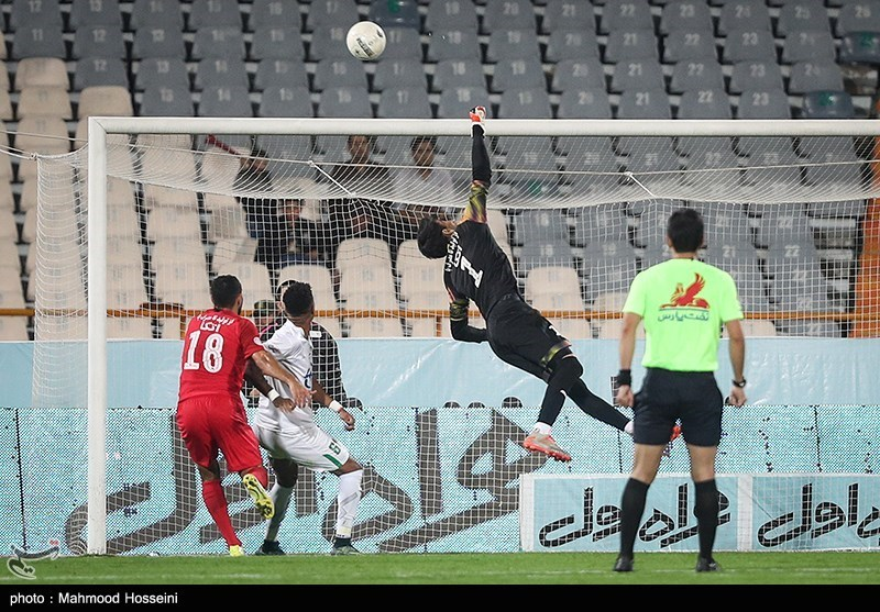 لیگ برتر فوتبال| فولاد - پرسپولیس؛ جدال کالدرون و نکونام برای مدعی ماندن