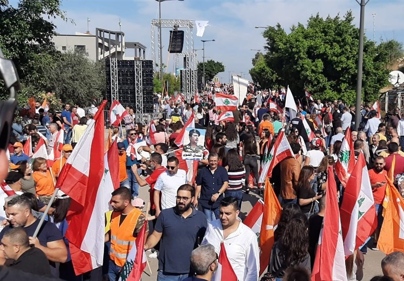 لبنان| ادامه اعتراضات در بیروت و طرابلس