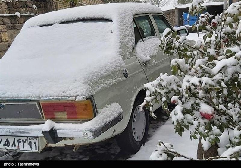 بالصور.. الثلوج تغطی مناطق شمال طهران