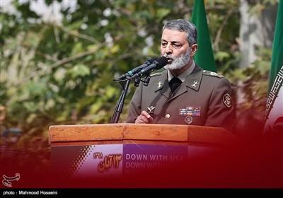 سخنرانی سرلشکر سید عبدالرحیم موسوی فرمانده کل ارتش در راهپیمایی روز ۱۳ آبان در تهران