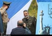 سرلشکر سید عبدالرحیم موسوی فرمانده کل ارتش در راهپیمایی یومالله ۱۳ آبان
