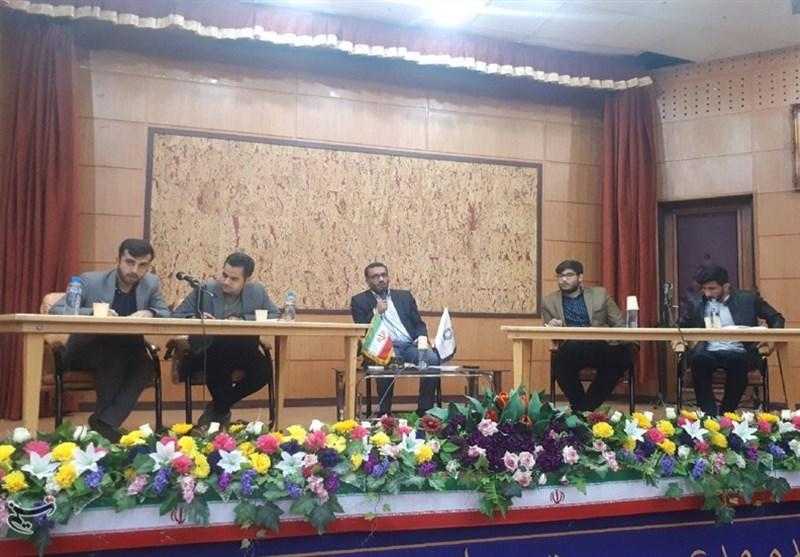 مناظره دانشجویی در یاسوج| مشکلات اقتصادی کمر مردم را شکست؛ اصلاح طلبان صادقانه از مردم عذرخواهی کنند
