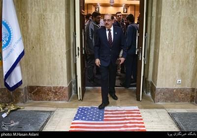 آمارکو بارکرو بالتودونو سفیرکشور نیکاراگوئه در مراسم پنجمین همایش زنده باد مرگ بر آمریکا