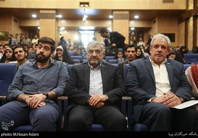 سردار محمد علی جعفری فرمانده قرارگاه فرهنگی حضرت بقیه الله اعظم در مراسم پنجمین همایش زنده باد مرگ بر آمریکا