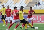 لیگ برتر فوتبال| سومین شکست متوالی تراکتور اینبار مقابل سپاهان/ قلعهنویی با 2 «سَر» مچ دنیزلی را خواباند
