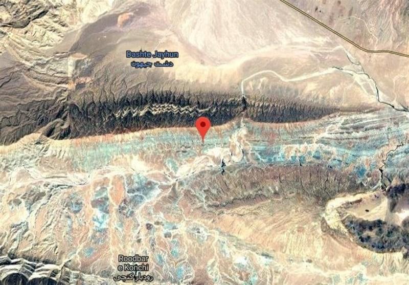 تخریب 7 روستا در زلزله 5.9 ریشتری میانه / اعزام 30 تیم امدادی به منطقه / 2 فروند بالگرد وضعیت منطقه را ارزیابی میکنند