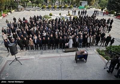 اقامه نماز بر پیکر زندهیاد بیژن علیمحمدی دوبلور پیشکسوت