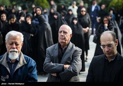 پرویز ربیعی در مراسم تشییع پیکر زندهیاد بیژن علیمحمدی