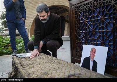 محمدرضا ورزی در مراسم تشییع پیکر زندهیاد بیژن علیمحمدی