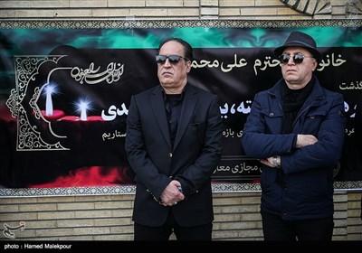 اردشیر منظم و بهمن هاشمی در مراسم تشییع پیکر زندهیاد بیژن علیمحمدی