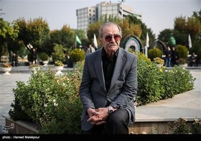 سیامک اطلسی در مراسم تشییع پیکر زندهیاد بیژن علیمحمدی