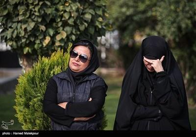 شوکت حجت در مراسم تشییع پیکر زندهیاد بیژن علیمحمدی