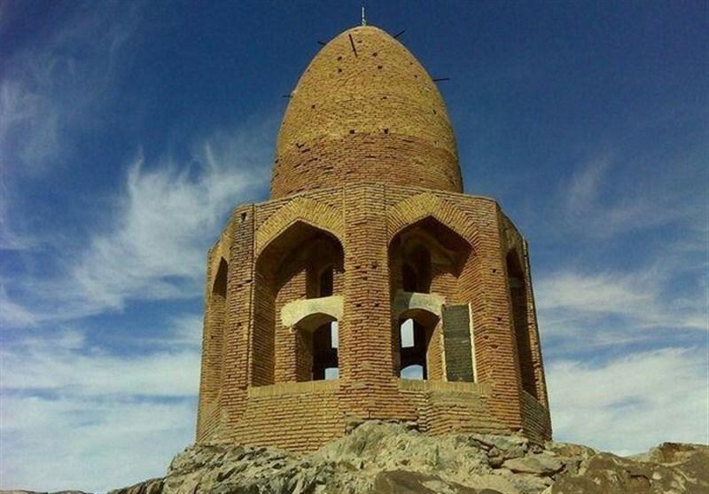 استحکامبخشی مقبره تاریخی «باز شکاری شاه عباس صفوی» در نطنز پایان یافت